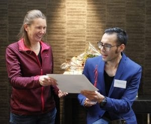 Maxim ontvangt de vrijwilligers prijs 2017